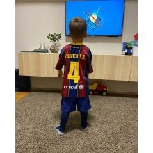 Комплект детской домашней формы Барселоны 2020-2021 на ребенке