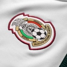 Гостевая футболка сборной Мексики на чемпионат мира 2018 логотип