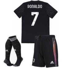Детская гостевая футбольная форма Роналдо 2021-2022
