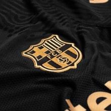 Гостевая аутентичная футболка Барселоны 2020-2021 герб клуба