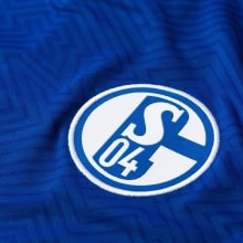 Домашняя игровая футболка Шальке 04 2018-2019 герб клуба