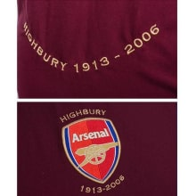 Домашняя футболка Арсенала 2005-2006 герб клуба