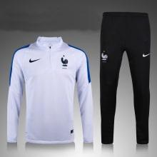 Бело-синий костюм сборной Франции 2021-2022