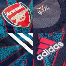 Третья аутентичная футболка Арсенала 2021-2022 логотипы