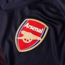 Гостевая игровая футболка Арсенала 2018-2019 герб клуба