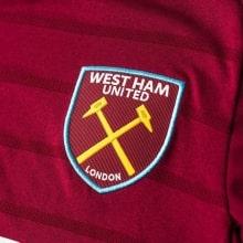 Домашняя игровая футболка Вест Хэм 2018-2019 герб клуба