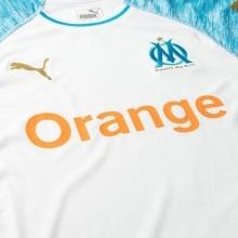 Футболка детской домашней формы Марселя 2018-2019 вблизи