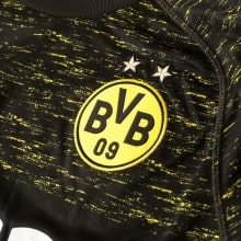 Гостевая игровая футболка Боруссии Дортмунд 2018-2019 герб клуба