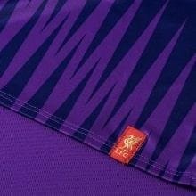 Фиолетовая тренировочная футболка Ливерпуля 2018-2019 снизу