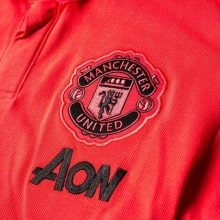 Красная футболка поло Манчестер Юнайтед 2018-2019 герб клуба