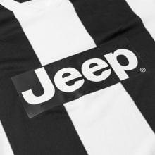 Серая футболка поло Ювентуса 2018-2019 герб клуба