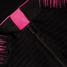 Взрослый черно-розовый костюм ПСЖ 18-19 кофта вблизи