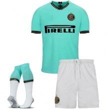 Детская гостевая форма Интера Ромелу Лукаку 2019-2020 футболка шорты и гетры спереди