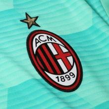 Вратарская домашняя футболка Милана 2020-2021 герб клуба