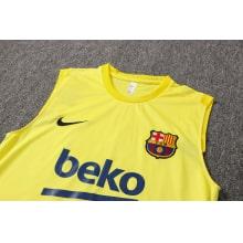 Желто-синяя тренировочная форма Барселоны 2021-2022 вблизи