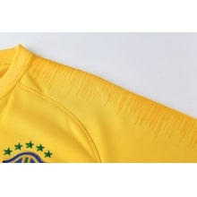Спортивный костюм сборной Бразилии по футболу 2018 рукав