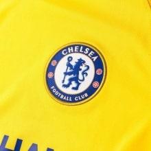 Футболка детской гостевой формы Челси 2018-2019 герб клуба