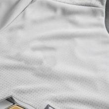 Третья игровая футболка Манчестер Юнайтед 2017-2018 серая лого