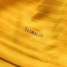 Желтая гостевая футболка сборной Бельгии на ЧМ 2018