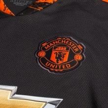Вратарская домашняя футболка Манчестер Юнайтед 2020-2021 герб клуба