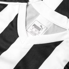 Домашняя игровая футболка Ньюкасл Юнайтед 2018-2019 воротник