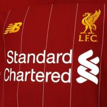 Комплект взрослой домашней формы Ливерпуля 2019-2020 футболка вблизи