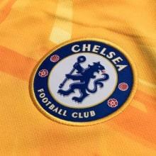 Вратарская домашняя футболка Челси 2019-2020 герб клуба