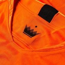 Домашняя футболка сборной Голландии сезона 2018-2019 воротник