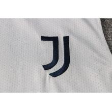 Сине-серая тренировочная форма Ювентуса 2021-2022 герб клуба