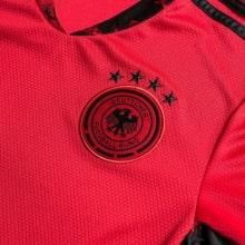 Вратарская домашняя футболка сборной Германии на ЕВРО 2020 герб сборной