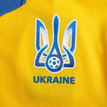 Домашняя футболка сборной Украины на Чемпионат Европы 2020 герб сборной Яремчук