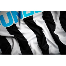 Комплект детской домашней формы Ньюкасл 2020-2021 футболка титульный спонсор