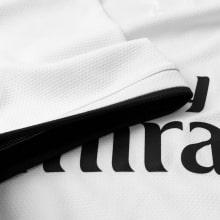Футболка Реал Мадрид 2018-2019 рукав вблизи