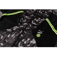 Черно-серый костюм Боруссии Дортмунд 2021-2022 вблизи