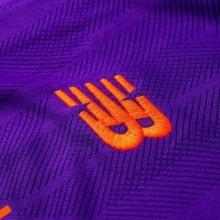 Гостевая майка Ливерпуля с длинными рукавами 2018-2019 логотип бренда