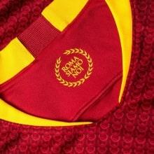 Домашняя игровая футболка Ромы 2018-2019 воротник