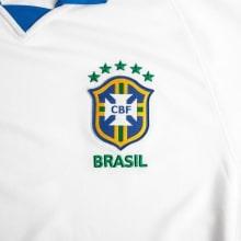 Гостевая игровая футболка сборной Бразилии 2019-2020 герб сборной