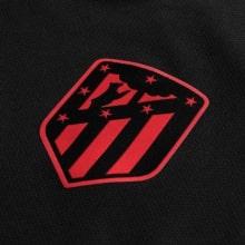 Гостевая игровая футболка Атлетико Мадрид 2019-2020 герб клуба