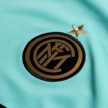 Детская гостевая форма Интера Ромелу Лукаку 2019-2020 футболка герб клуба