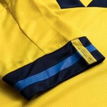 Домашняя футболка сборной Швеции на чемпионат Европы 2020 рукав