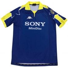 Третья ретро футболка Ювентуса 1997-1998