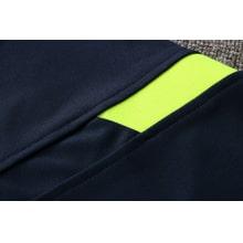 Темно-синий спортинвый костюм Тоттенхэма 2021-2022 вблизи