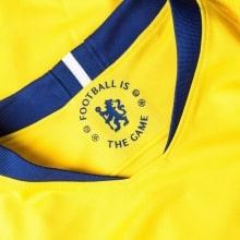 Футболка детской гостевой формы Челси 2018-2019 воротник
