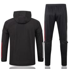Черный спортивный костюм Баварии 2021-2022 сзади