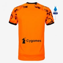 Детская третья футбольная форма Ювентуса 2020-2021 футболка сзади с патчем Серии А