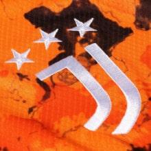 Детская третья футбольная форма Ювентуса 2020-2021 футболка герб клуба