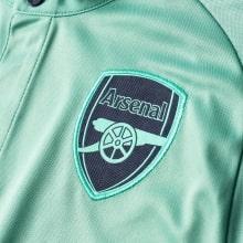 Третья футболка Арсенала Шкодран Мустафи сзади 2018-2019 герб клуба