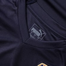 Гостевая футболка Арсенала Аарон Рэмси номер 8 2018-2019 воротник