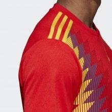 Футболка сборной Испании на ЧМ 2018 сбоку