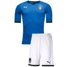 Домашняя футбольная форма сборной Италии 2018-2019 футболка и шорты